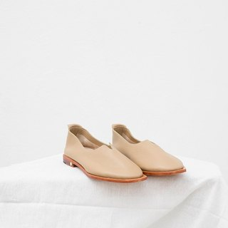 0.1 THE ARCH FLAT / NUDE