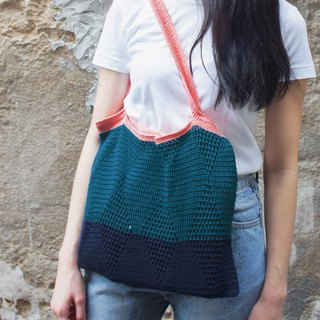 Crochet Graphic Tote Bag | Peach Strap