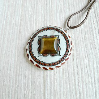 Horn pendant with tiger-eye