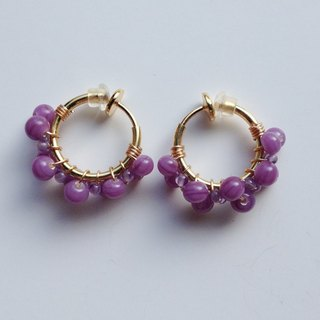 Amethyst and vintage beads hoop earclip Dual hoop earrings of ear-shaped amethyst and vintage beads