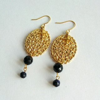 Onyx × Cross Charm & motif earrings (earrings)