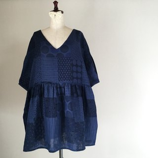 Double gauze tunic one piece indigo blue random dot pattern