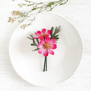Corsage: Fall cherry - cosmos - (dark pink)