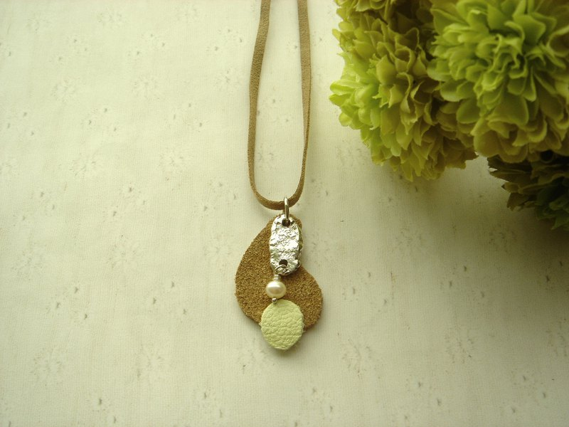 Nice time necklace 1