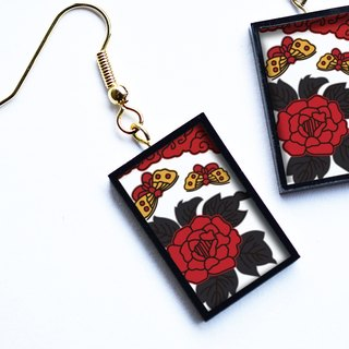 "Hanafuda earring / earring - butterfly and peony (Japanese Playing Card Pierce / Earring ""Butterfly and peony"")"