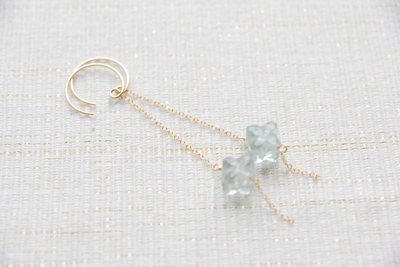 Flow light of soyogu earrings Usumidori (Fri 14 gf)