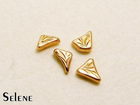 K18 gold gold handmade small stud earrings · triangle system