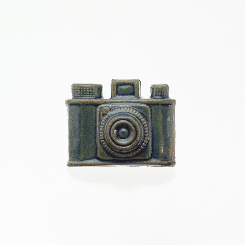 Pottery Brooch Camera (Sabi Blue)