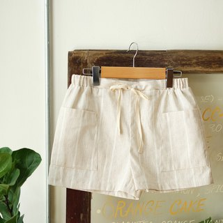Pockets Shorts : Brown