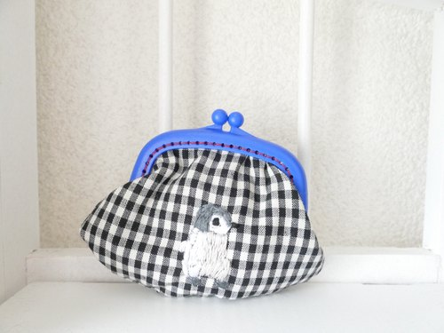 Embroidery of the purse gingham check penguin baby
