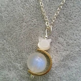 ~10mm 蓝光月亮石 黄铜, 贝母猫 925 纯银颈链 10MM moonstone with cat shape mother pearl 925 silver necklace