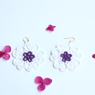 Tatting lace flower pierced earrings - white - 14 kgf