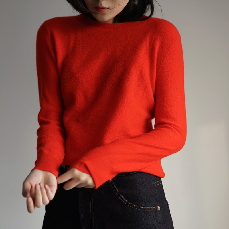 Strong shrinks red wool sweater