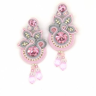 Floral drop earrings in light pink color