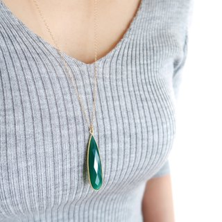 14KGF / GREEN ONYX PEARS SHAPE LONG NECKLACE