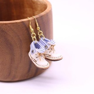 Swaying swaying small leather boots earrings | with Snow White lining