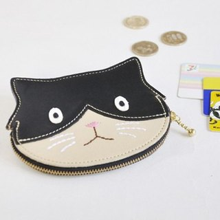 Cases where coins, cards and bills also enter Black and white cats