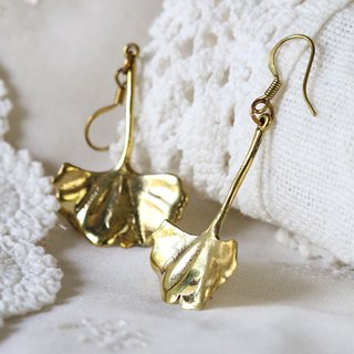 Leaf Earrings / Dimension Leaf Earrings / 3D earrings / Linen Jewelry / Girly Jewelry.