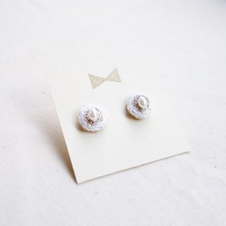 One earring earring i