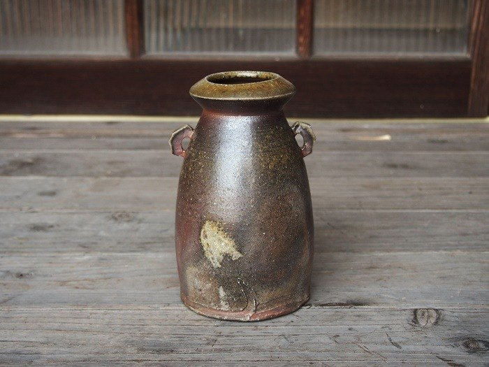 Bizen with flowers _h 1 - 0 18