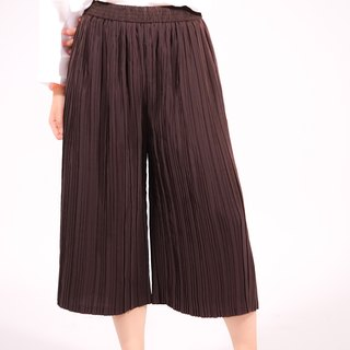 3 Quarter Pleated Pants