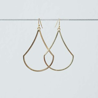 Sleek Gold Pear Shape Earrings. (piercing)
