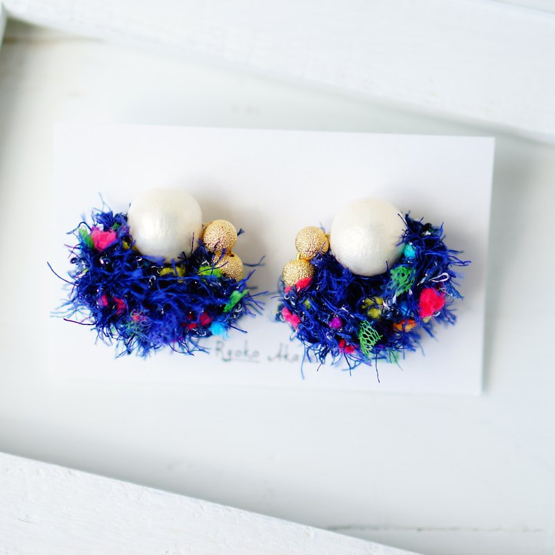 Fancy yarn Post Earrings / Clip On Earrings navy pop