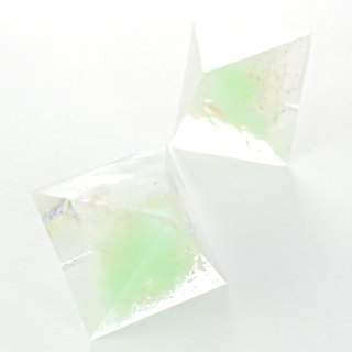 Pyramid earrings (mint ice)