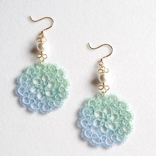 Tatting and cotton pearl earrings<forest and lake>