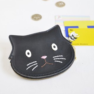 Case where coins, cards and bills also enter Black cat