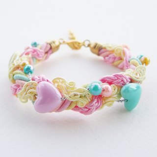 Heart pastel bead-braided bracelet