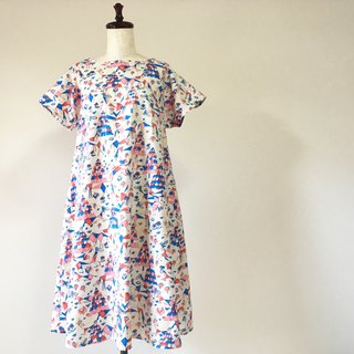 Tree and horse flare dress short sleeve