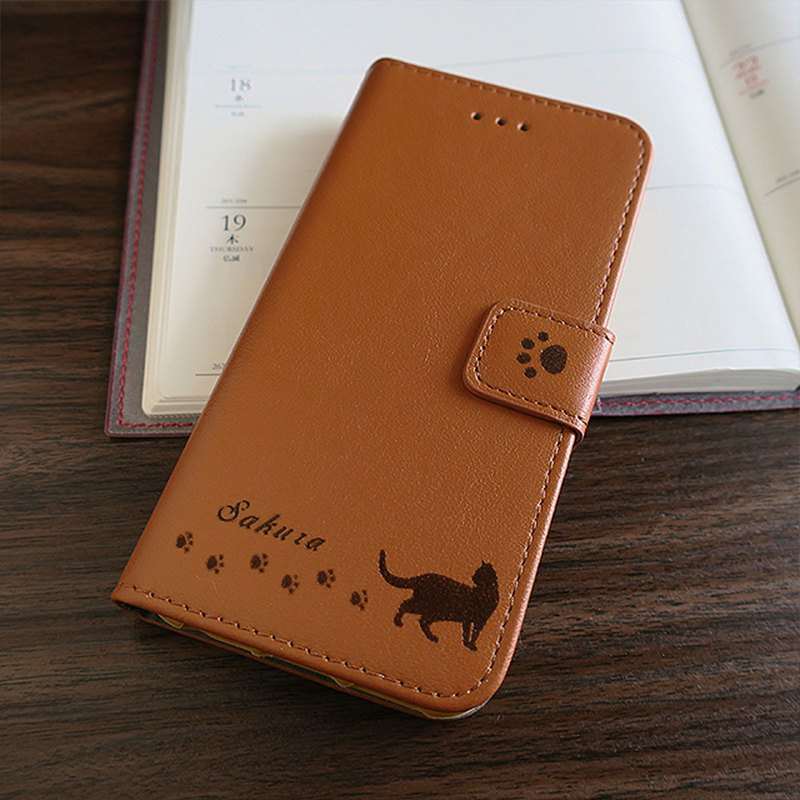 Cat and toy iPhone8 / 7 / 6s /6case ( Camel)