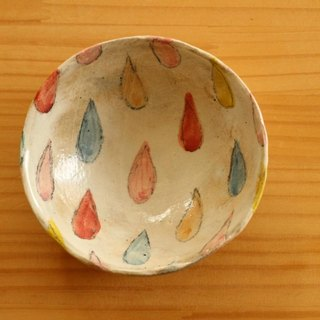 Colorful drop salad bowl.