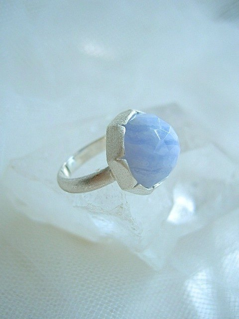Blue lace ring (No. 13)