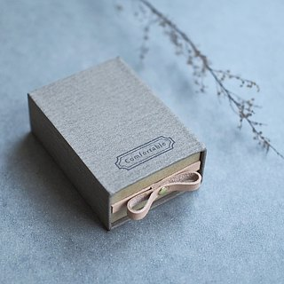 Comfortable // Charcoal gray) Sliding Box Leather ribbon small box to convey the feelings