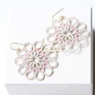 14 kgf-Tatting lace pierced earrings (gray and pink)