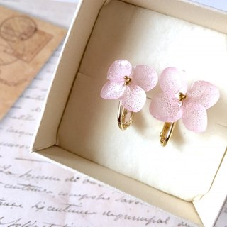 * Sakura * Hiragara Hydrangea Earrings