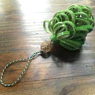 Leather tassel signora leaf green