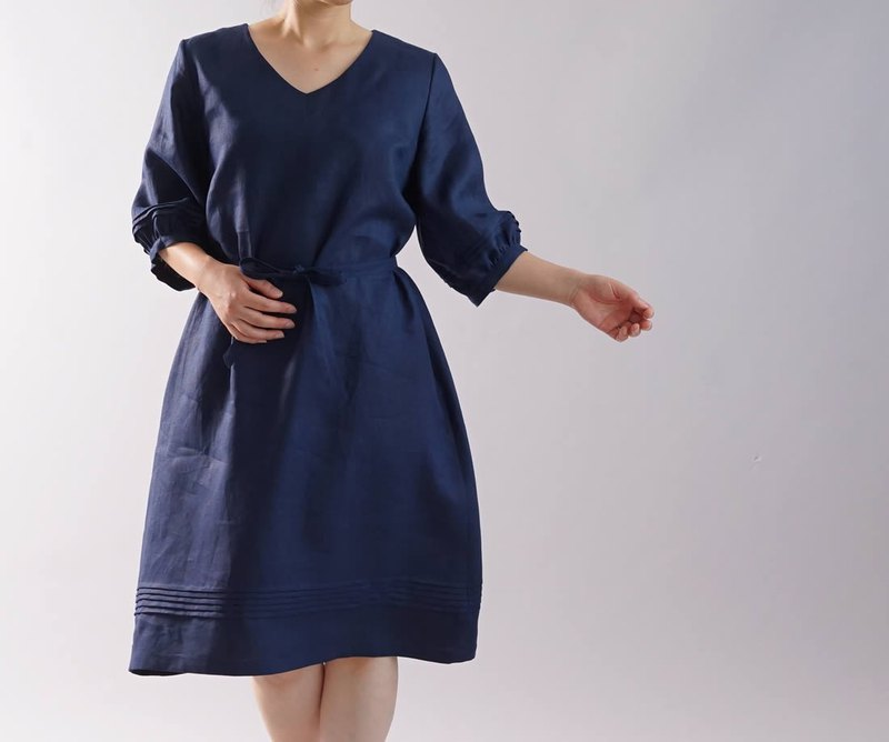 wafu   linen dress / midi length / V neckline / half sleeve / nevy / a79-3