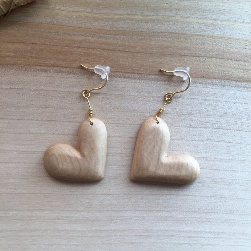 wooden heart pierced earrings