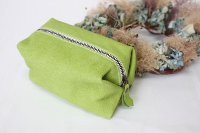 Pigskin caramel pouch gently