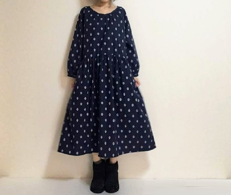 Provencal-style floral-patterned raglan sleeve one-piece dress cotton linen dark navy