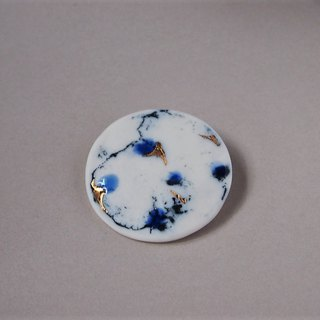 Porcelain brooch feeling blue moon 4