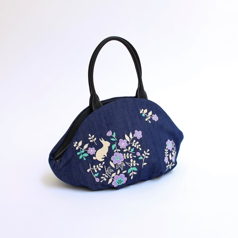 Usagi Garden Embroidery · Almond Bag