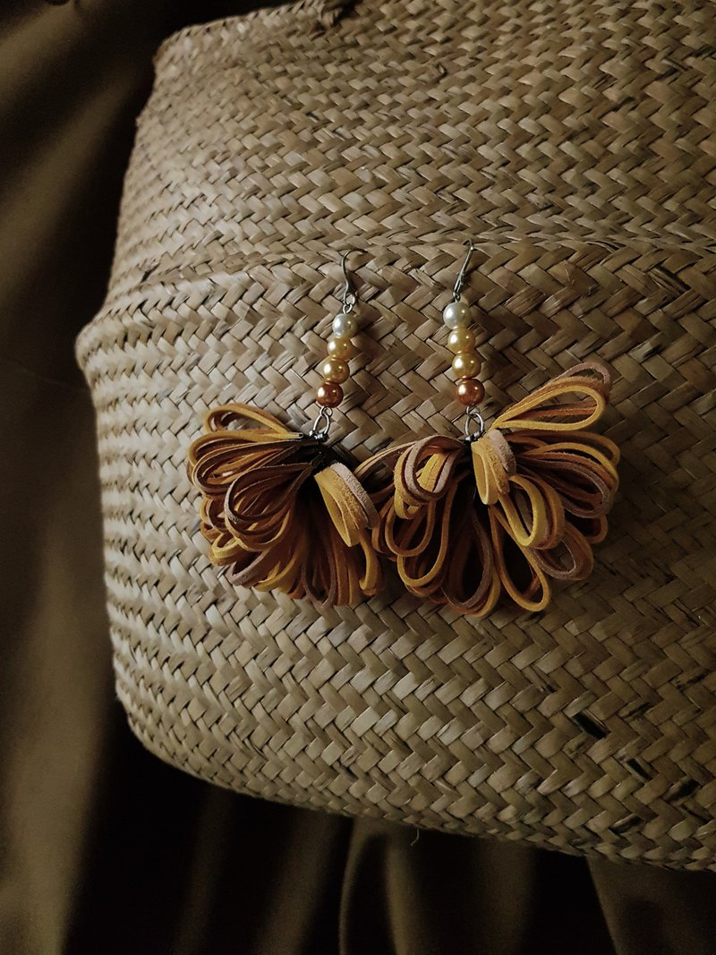 AOKO Earrings :MARIGOLD