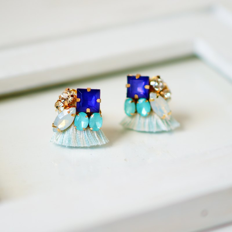 silk and Bijou Earrings / Clip-ons light blue