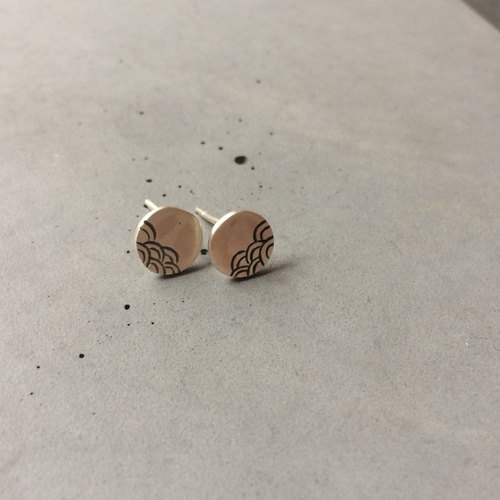 Small silver ear studs with Japanese wave pattern - The Sea