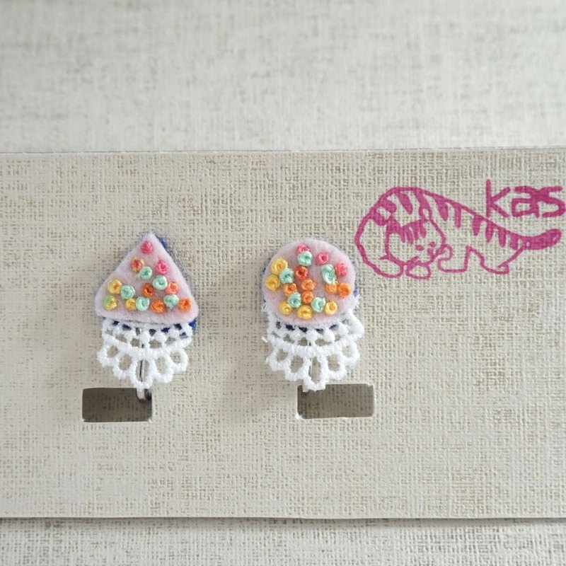 "Hand embroidery earring""Spring color circle,triangle"""