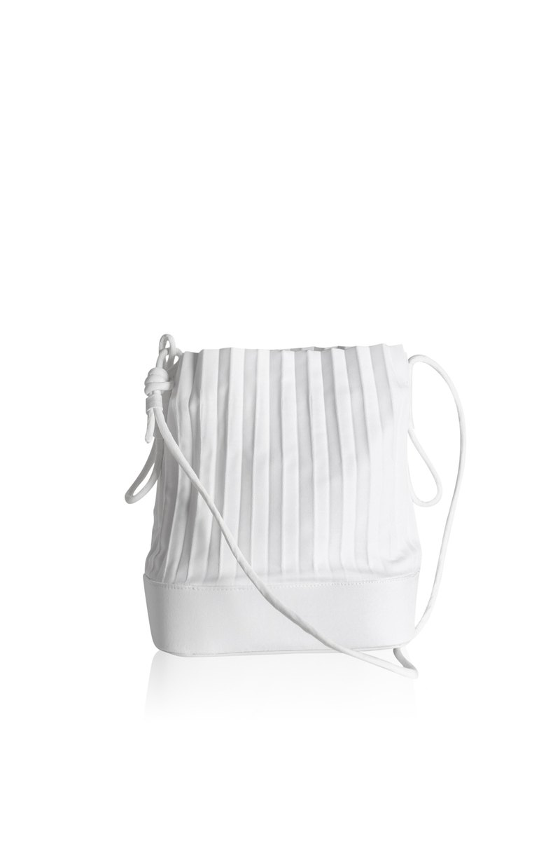 aPaddy Bucket Bag in White
